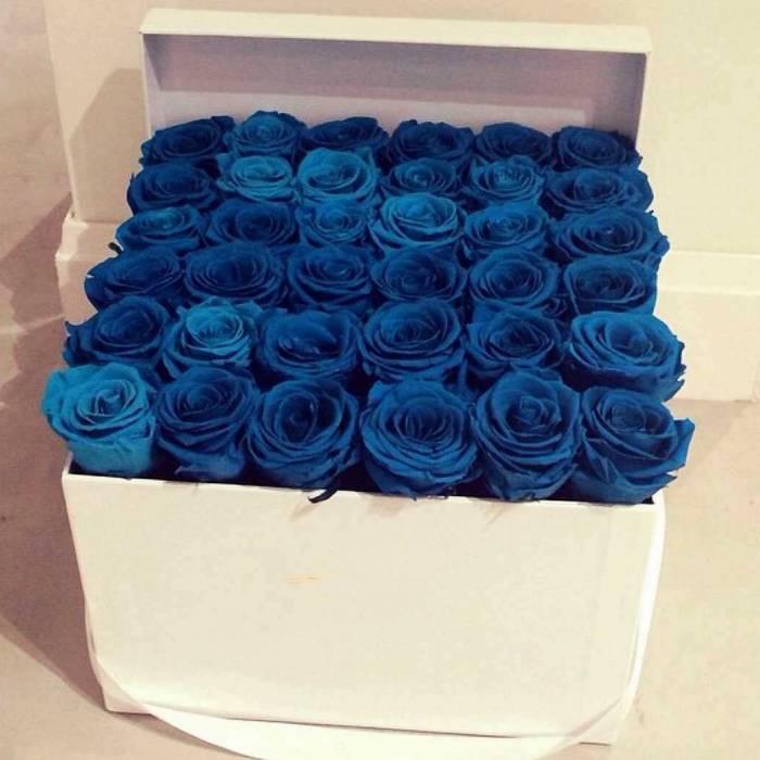 31 синяя роза в коробке R017
