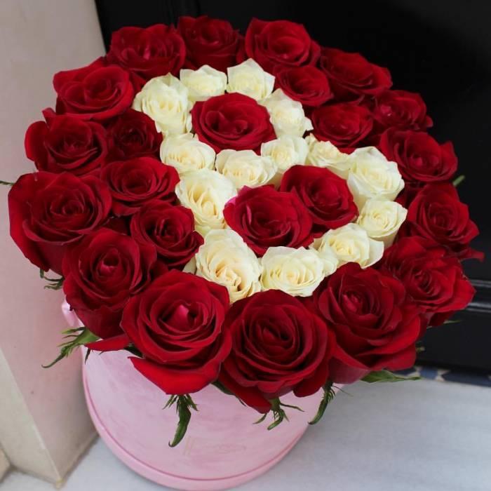 39 красных роз в коробке R036