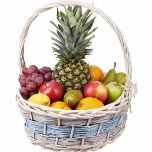 Светлая корзина с фруктами R331
