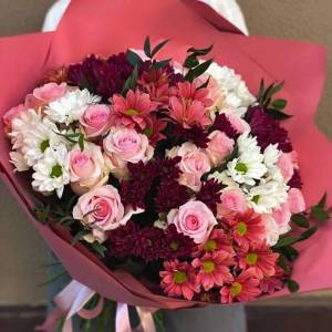 Большой букет хризантемы и розы с оформлением R1120