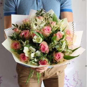 Сборный букет розы и альстромерия R1229