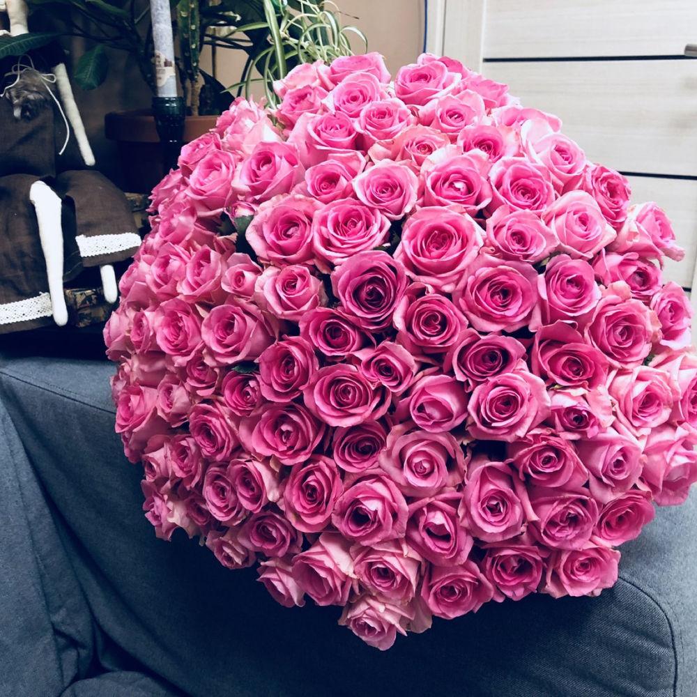 Купить 101 розу с доставкой в москве