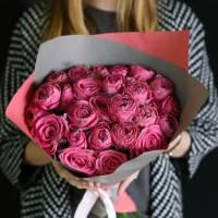 Букет 15 веток кустовой пионовидной розы R027